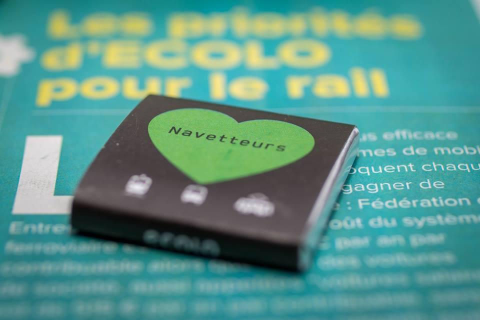 Saint Valentrain : Un faux journal et un chocolat pour les navetteurs